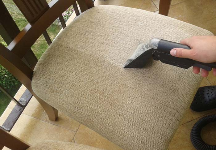 czyszczona tapicerka krzesła
