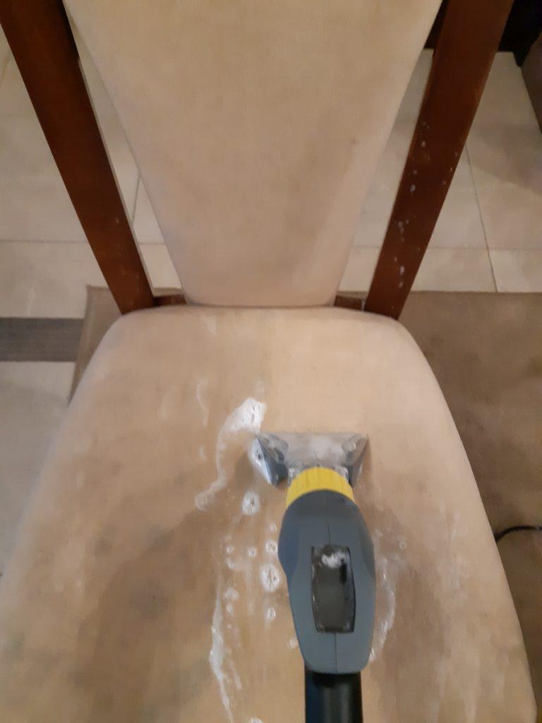 czyszczenie tapicerki krzesła
