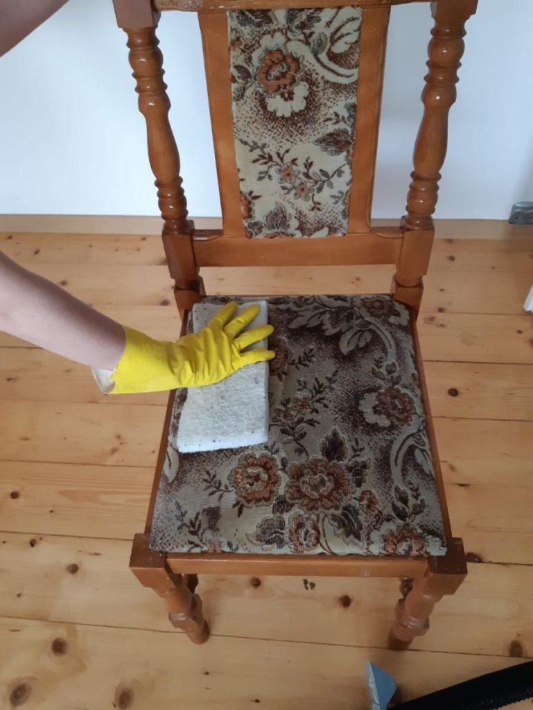 pranie tapicerki meblowej, czyszczenie tapicerki krzesła